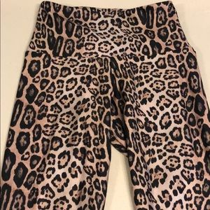 Onzie cheetah print leggings size XS worn 3x